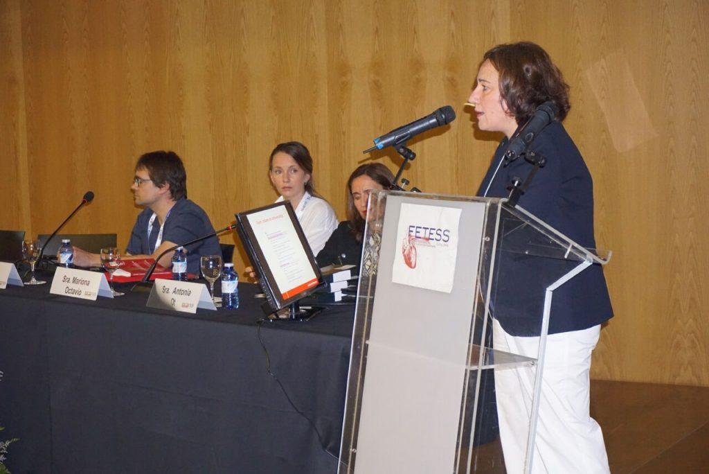 La Dra. Arantxa Eraso durante su ponencia
