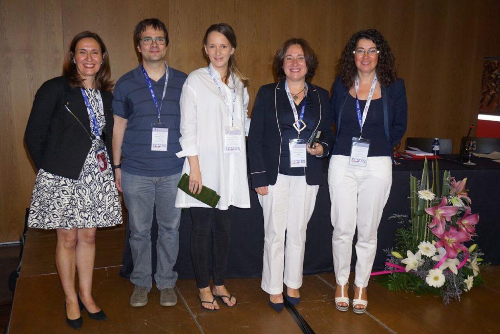 De izquierda a derecha, la Sra. Antonia Ot, el Dr. Albert Onses, Sra. Mariona Octavio, Dra. Arantxa Eraso y Sra. María Dolores Moreno