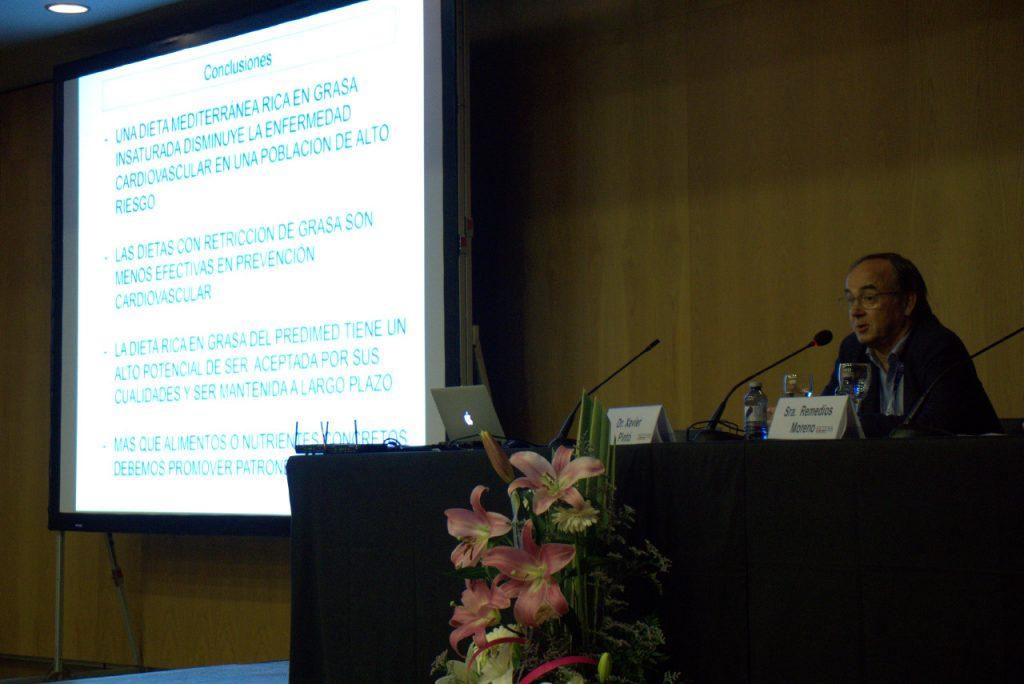 El Dr Xavier Pintó en un momento de su ponencia