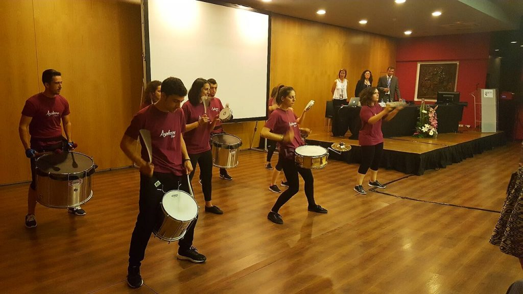 El grupo Azinheira Batucada durante su actuación