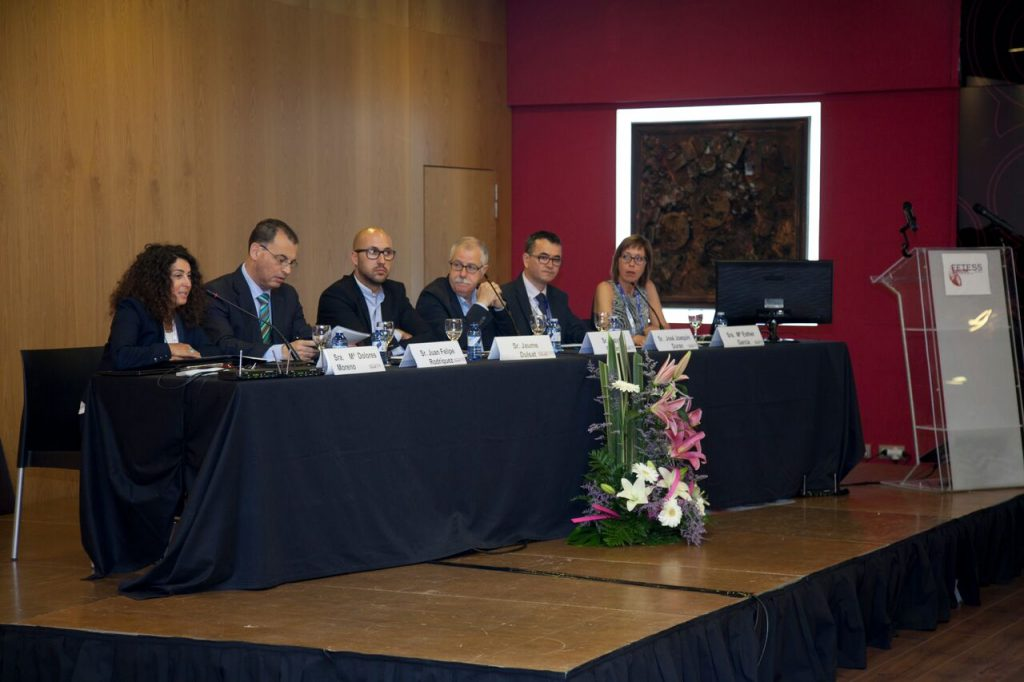 De izquierda a derecha, Sra. María Dolores Moreno, Sr. Juan Felipe Rodríguez, Sr. Jaume Dulsat, Dr. Miquel Carreras, Sr. José Joaquín Durán y Sra. Esther García